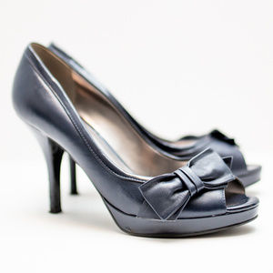 Marc Fisher Butter Soft Navy Leather Pump 8.5